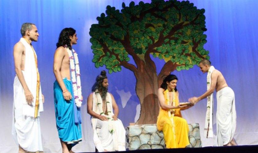 receiving-prasadam