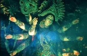 https://www.iskconbangalore.org/wp-content/uploads/2016/10/life-size-sculptures-of-goddess-durga-slaying-mahishasura.jpg