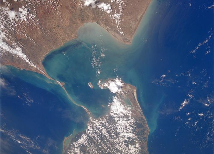 NASA-satellite-photo-The-remains-of-the-Rama-Setu