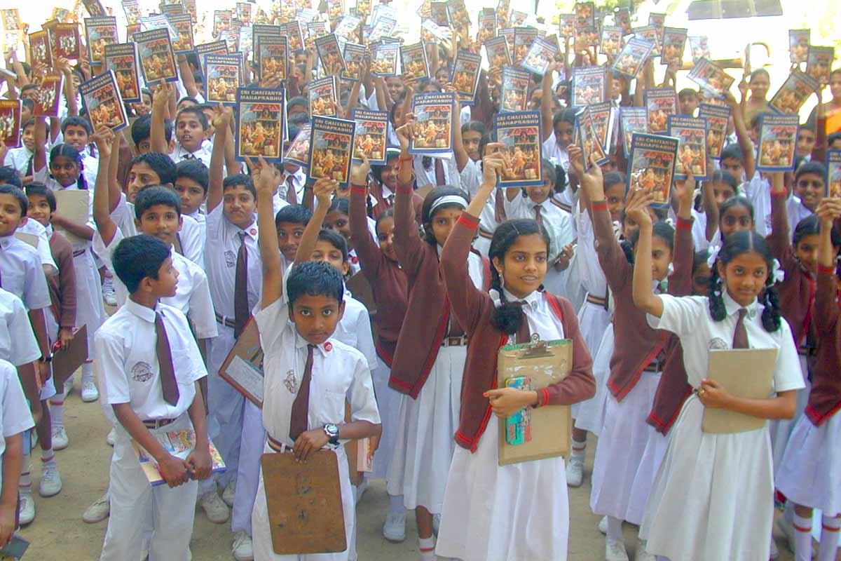 Children showing books