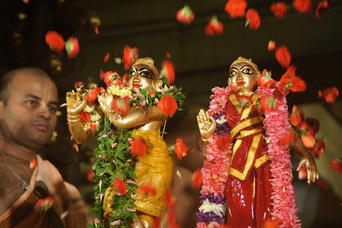 Pushpa-vrishti: A colorful shower of flowers