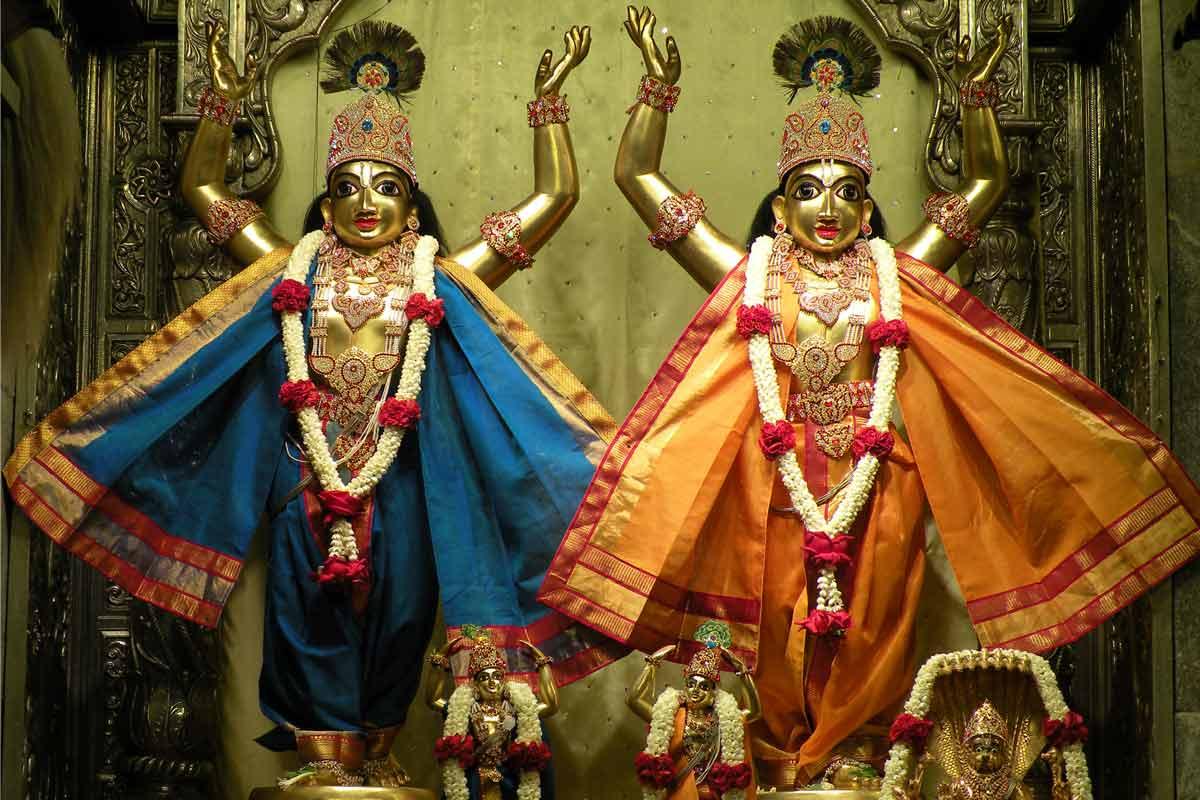 Sri Sri Nitai Gauranga - Mangala arati darshan