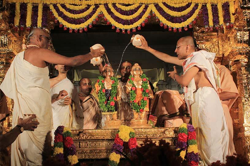 Kalasa snana during Balarama Purnima