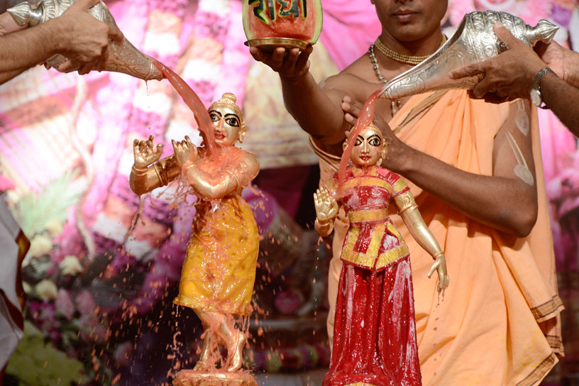 Abhisheka with fruit juice