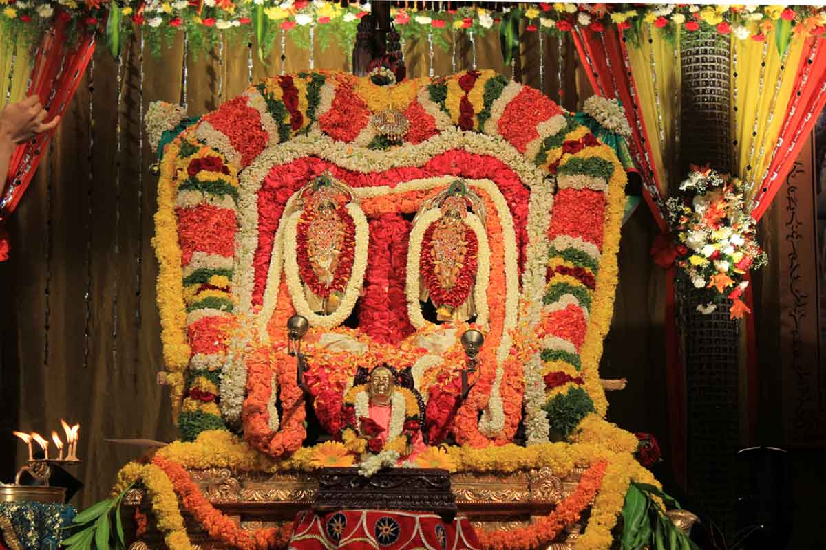 Sri Sri Nitai Gauranga ready for arati