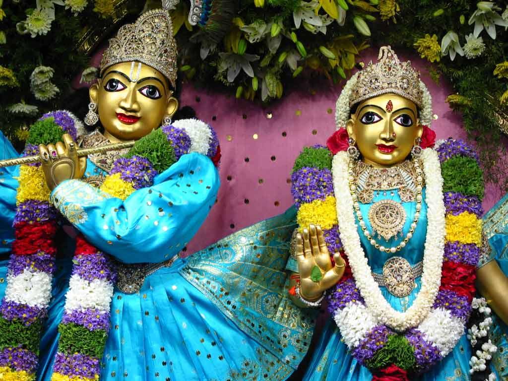 Sri Radha Krishnachandra in green dress