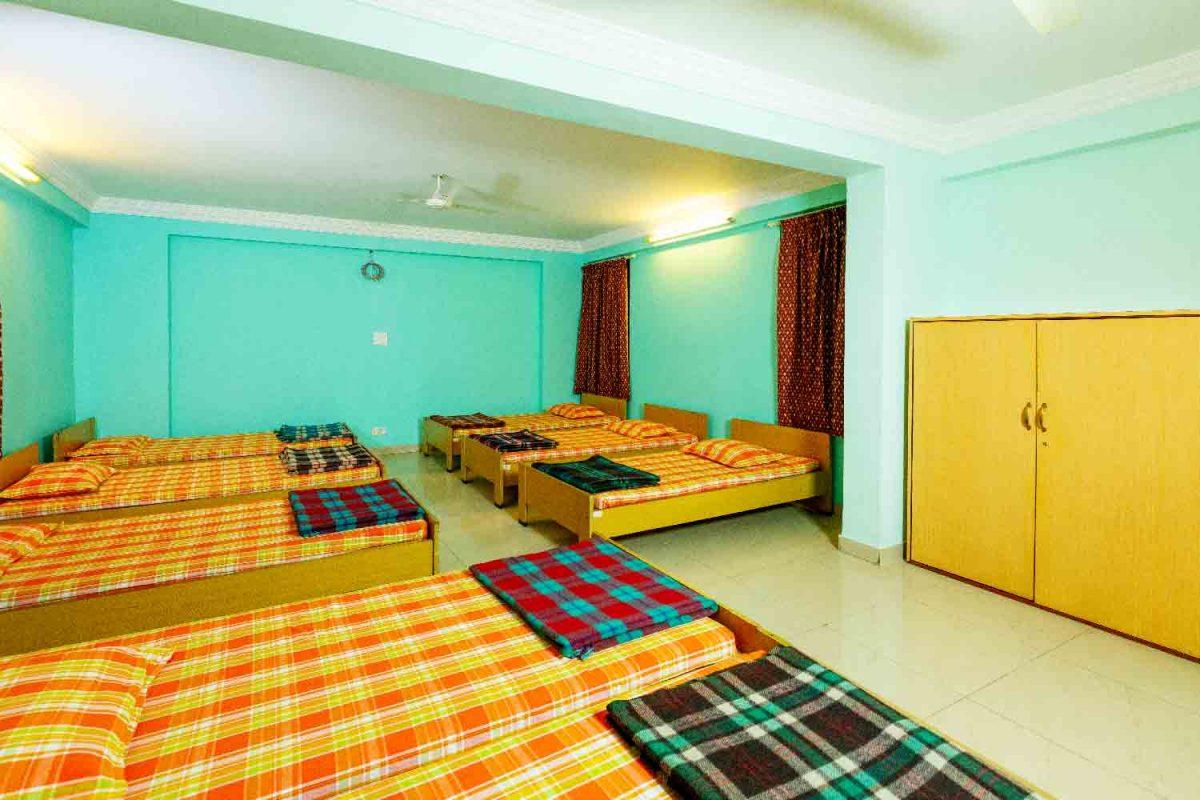 semi-dormitory